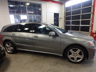 2011 Mercedes R350 4-Matic LOADED, STUNNING. TOP TIER. Saint Louis Park, MN 1