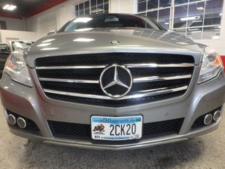 2011 Mercedes R350 4-Matic LOADED, STUNNING. TOP TIER. Saint Louis Park, MN 31