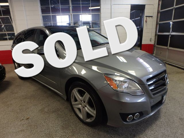 2011 Mercedes R350 4-Matic LOADED, STUNNING. TOP TIER. Saint Louis Park, MN
