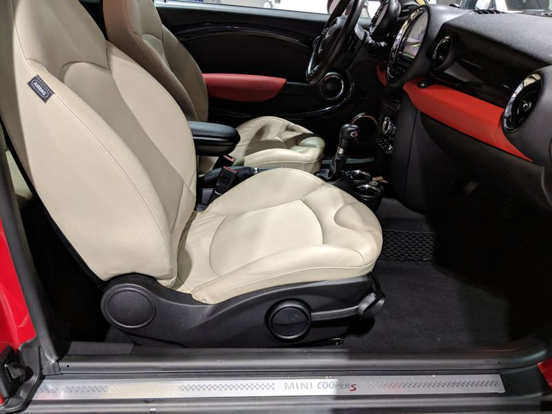 2011 Mini Clubman S  Lake Forest IL  Executive Motor Carz  in Lake Forest, IL