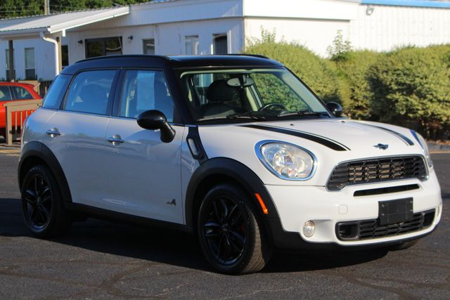 2011 Mini Countryman S AWD - PREMIUM & COLD WEATHER PKGS - DUAL SUNROOF Mooresville , NC 20