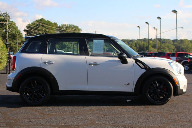 2011 Mini Countryman S AWD - PREMIUM & COLD WEATHER PKGS - DUAL SUNROOF Mooresville , NC 13