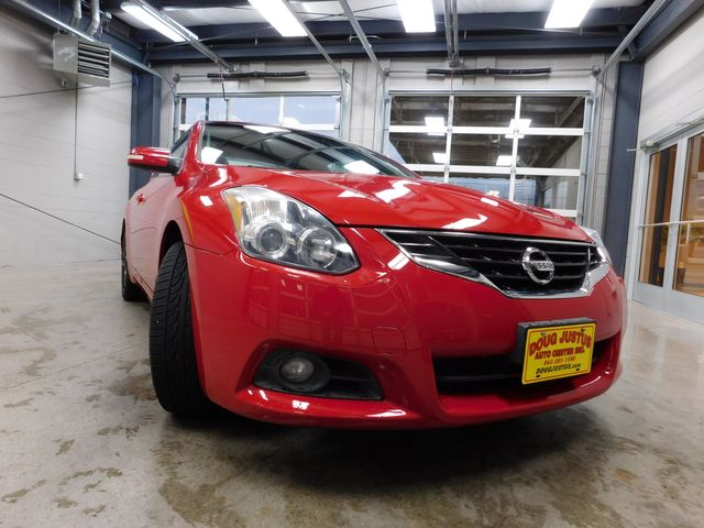 2011 Nissan Altima 3.5 SR in Airport Motor Mile ( Metro Knoxville ), TN 37777