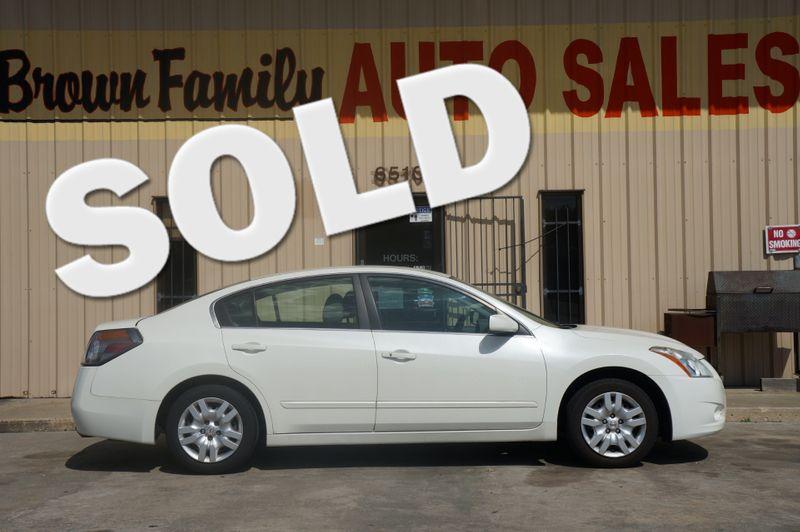 2011 Nissan ALTIMA BASE   Houston, TX   Brown Family Auto Sales in Houston TX