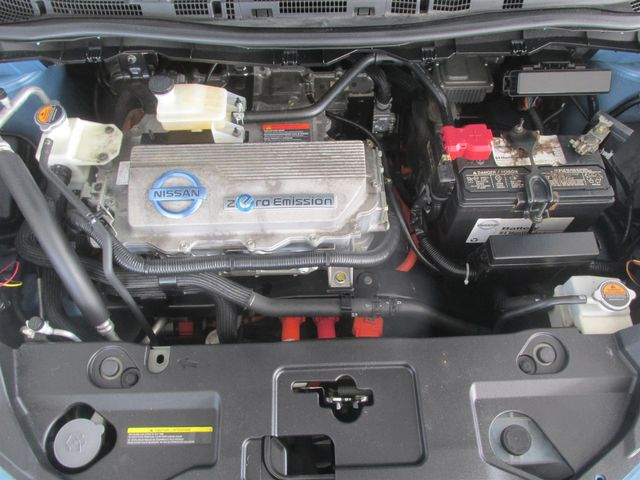 2011 Nissan LEAF SL-e Gardena, California 15