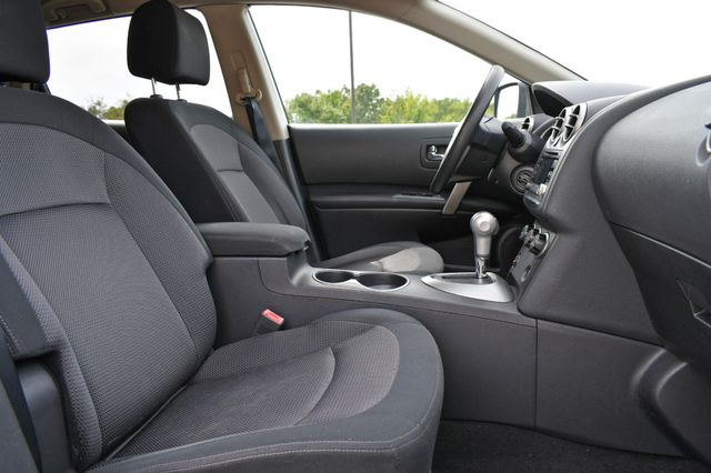 2011 Nissan Rogue SV Naugatuck, Connecticut 9