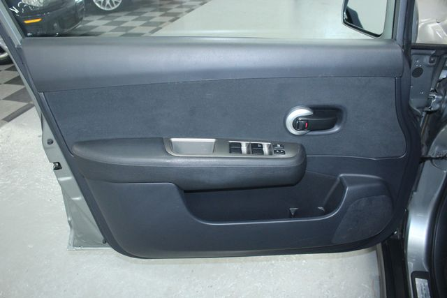 2011 Nissan Versa 1.8 S Kensington, Maryland 14