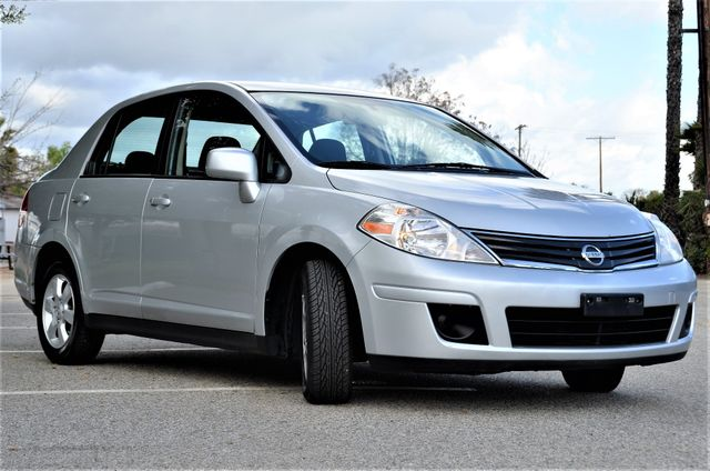 2011 Nissan Versa 1.8 SL NAVI Reseda, CA 16