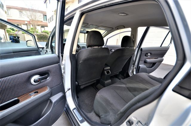 2011 Nissan Versa 1.8 SL NAVI Reseda, CA 23