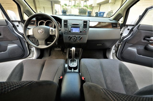 2011 Nissan Versa 1.8 SL NAVI Reseda, CA 2