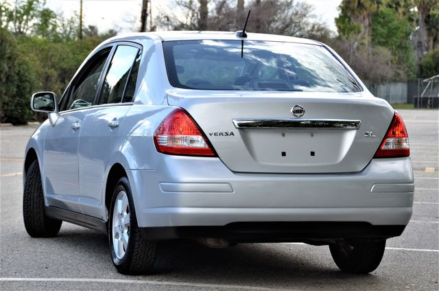 2011 Nissan Versa 1.8 SL NAVI Reseda, CA 11