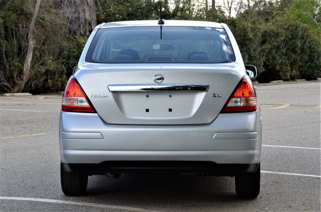 2011 Nissan Versa 1.8 SL NAVI Reseda, CA 12