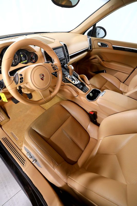 2011 Porsche Cayenne - V6 - Navigation - Panoramic roof  city California  MDK International  in Los Angeles, California