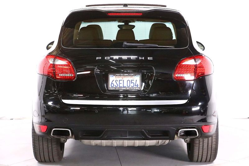 2011 Porsche Cayenne - V6 - Navigation - Panoramic roof  city California  MDK International  in Los Angeles, California