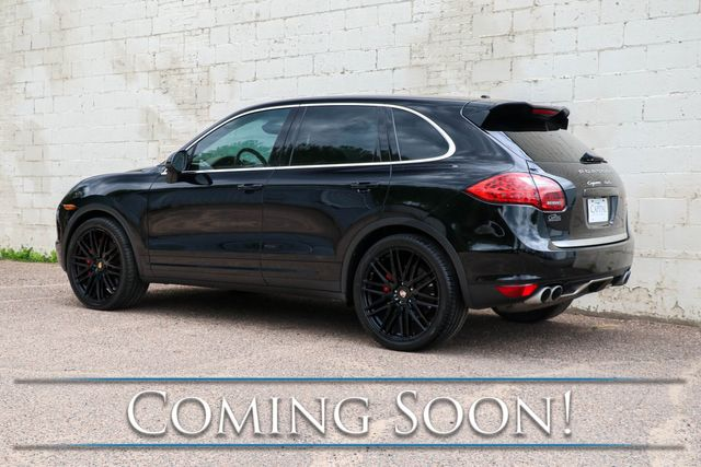 2011 Porsche Cayenne Turbo AWD Luxury Crossover SUV w/ Nav, Backup Cam, Heated & Ventilated Seats & BOSE in Eau Claire, Wisconsin 54703