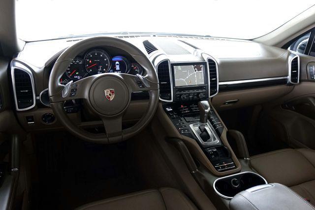 2011 Porsche Cayenne 20's * NAVI * Sunroof * XENONS * AC Seats * LOADED Plano, Texas 14