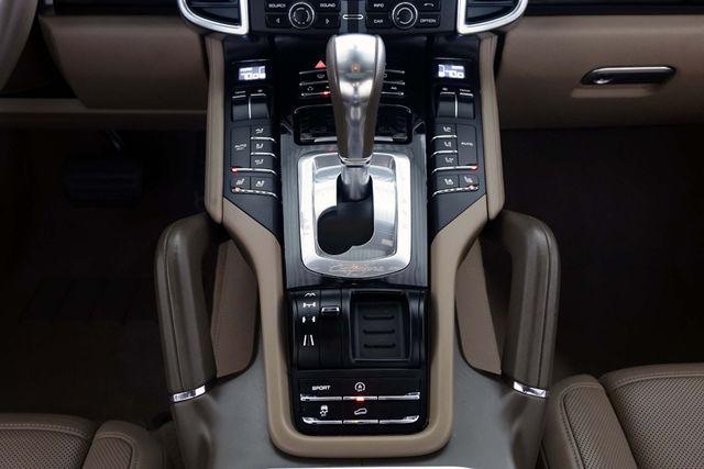 2011 Porsche Cayenne 20's * NAVI * Sunroof * XENONS * AC Seats * LOADED Plano, Texas 21