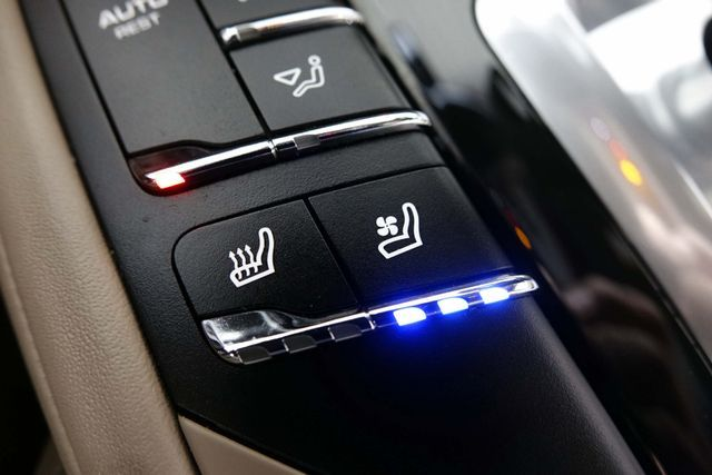 2011 Porsche Cayenne 20's * NAVI * Sunroof * XENONS * AC Seats * LOADED Plano, Texas 25