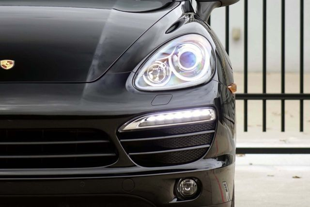 2011 Porsche Cayenne 20's * NAVI * Sunroof * XENONS * AC Seats * LOADED Plano, Texas 36