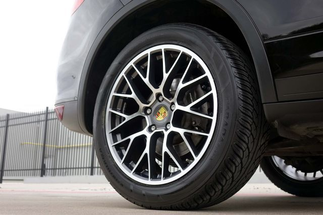 2011 Porsche Cayenne 20's * NAVI * Sunroof * XENONS * AC Seats * LOADED Plano, Texas 39