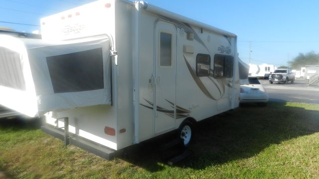 2011 R-Vision CROSSOVER 180T Hudson , Florida 2