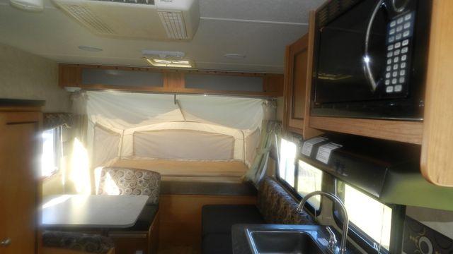 2011 R-Vision CROSSOVER 180T Hudson , Florida 11