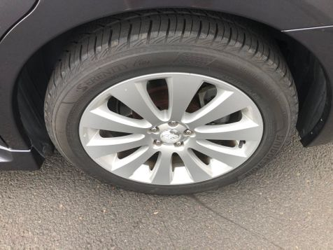 2011 Subaru Legacy 3.6R Ltd Pwr Moon | Ashland, OR | Ashland Motor Company in Ashland, OR