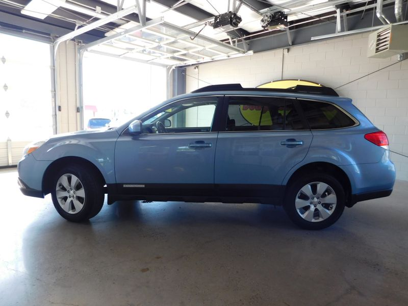 2011 Subaru Outback 25i Limited Pwr Moon  city TN  Doug Justus Auto Center Inc  in Airport Motor Mile ( Metro Knoxville ), TN