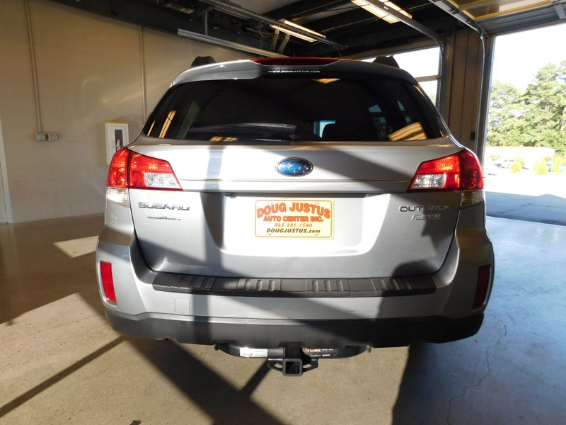 2011 Subaru Outback 25i Limited Pwr MoonNav  city TN  Doug Justus Auto Center Inc  in Airport Motor Mile ( Metro Knoxville ), TN