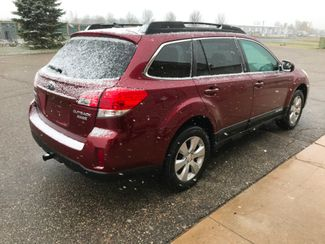 2011 Subaru Outback 2.5i Limited Pwr Moon/Nav Farmington, MN 1