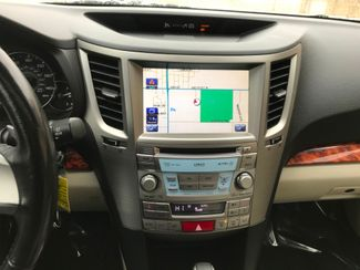 2011 Subaru Outback 2.5i Limited Pwr Moon/Nav Farmington, MN 10