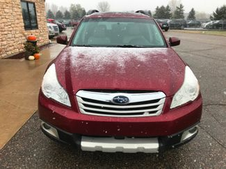 2011 Subaru Outback 2.5i Limited Pwr Moon/Nav Farmington, MN 3