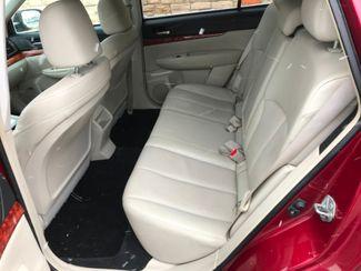 2011 Subaru Outback 2.5i Limited Pwr Moon/Nav Farmington, MN 5