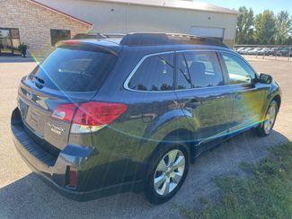 2011 Subaru Outback 2.5i Limited Pwr Moon Farmington, MN 3