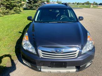2011 Subaru Outback 2.5i Limited Pwr Moon Farmington, MN 4