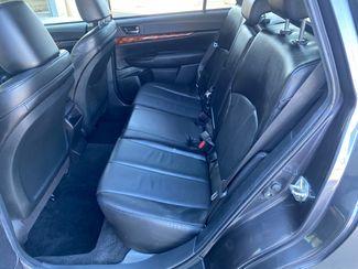 2011 Subaru Outback 2.5i Limited Pwr Moon Farmington, MN 6