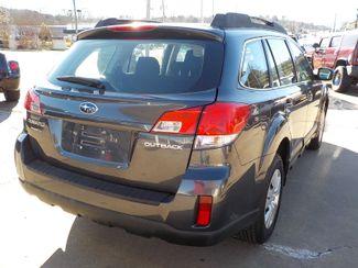 2011 Subaru Outback 2.5i Fayetteville , Arkansas 4