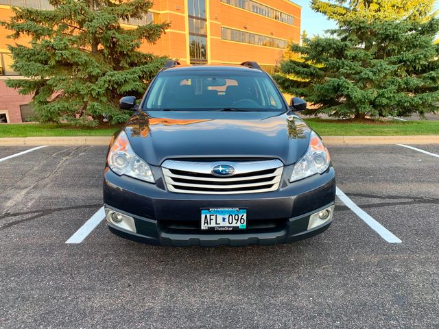 2011 Subaru Outback 2.5i Prem AWP/Pwr Moon Maple Grove, Minnesota 4