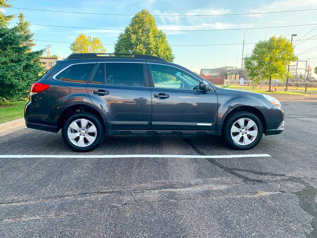 2011 Subaru Outback 2.5i Prem AWP/Pwr Moon Maple Grove, Minnesota 7