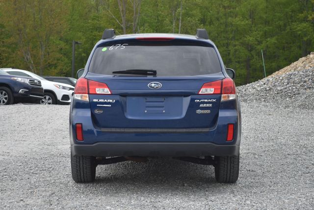 2011 Subaru Outback 2.5i Premium Naugatuck, Connecticut 3