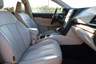 2011 Subaru Outback 2.5i Limited Naugatuck, Connecticut 9