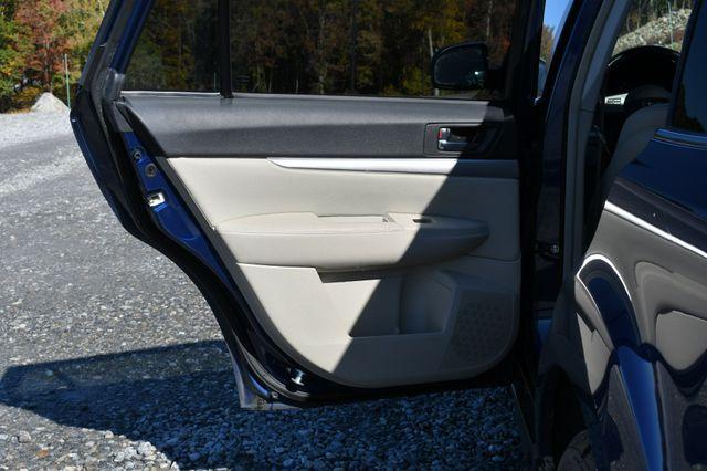 2011 Subaru Outback 2.5i Prem AWP/Pwr Moon Naugatuck, Connecticut 12