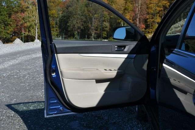 2011 Subaru Outback 2.5i Prem AWP/Pwr Moon Naugatuck, Connecticut 19