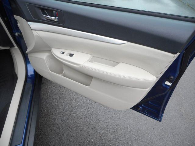 2011 Subaru Outback 2.5i Prem AWP New Windsor, New York 21