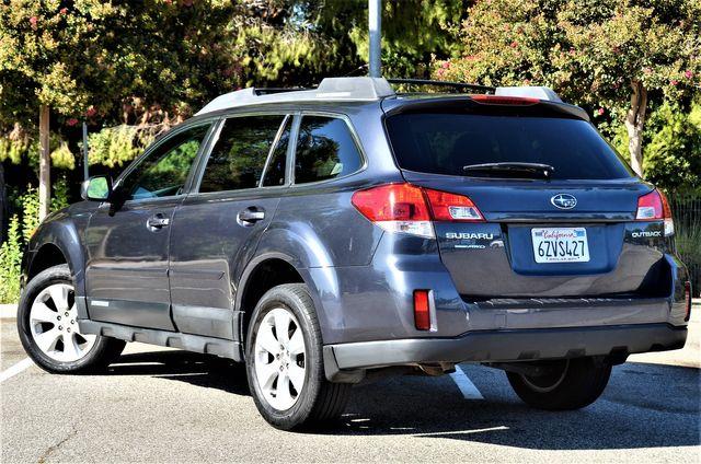 2011 Subaru Outback 2.5i Prem AWP in Reseda, CA, CA 91335