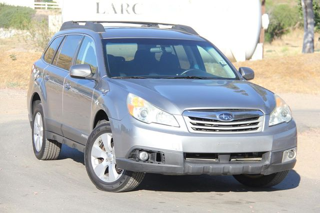 2011 Subaru Outback 2.5i Prem AWP Santa Clarita, CA 3