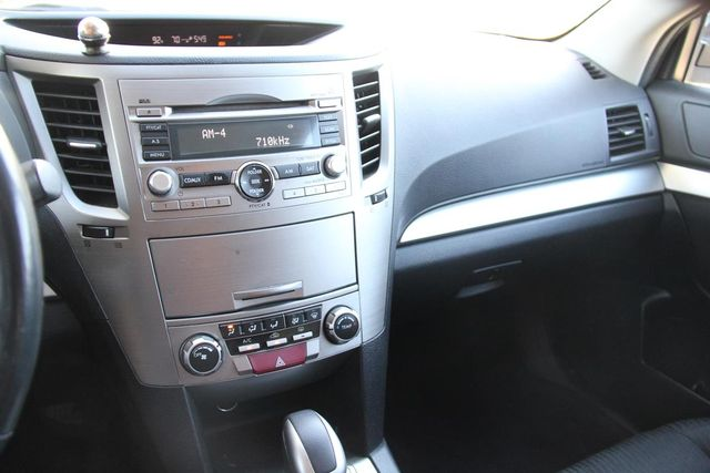 2011 Subaru Outback 2.5i Prem AWP Santa Clarita, CA 18