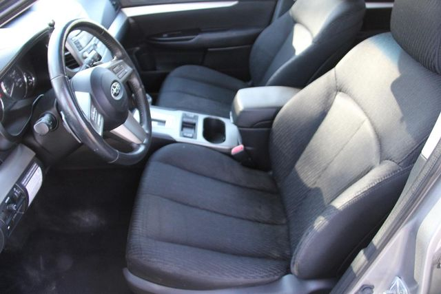 2011 Subaru Outback 2.5i Prem AWP Santa Clarita, CA 13