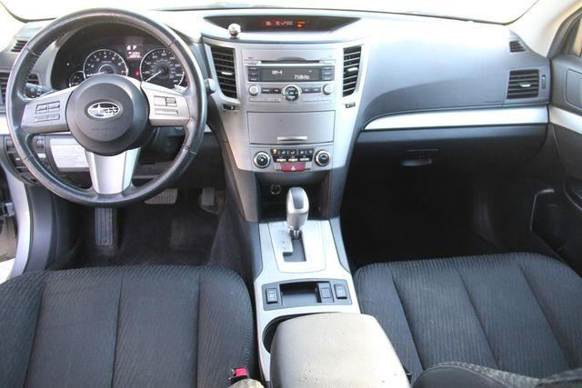 2011 Subaru Outback 2.5i Prem AWP Santa Clarita, CA 7