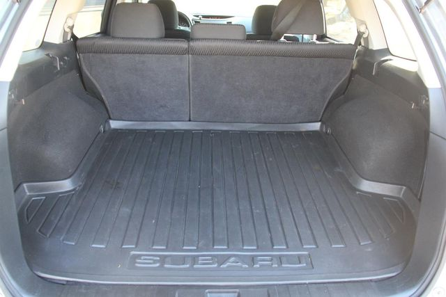 2011 Subaru Outback 2.5i Prem AWP Santa Clarita, CA 24